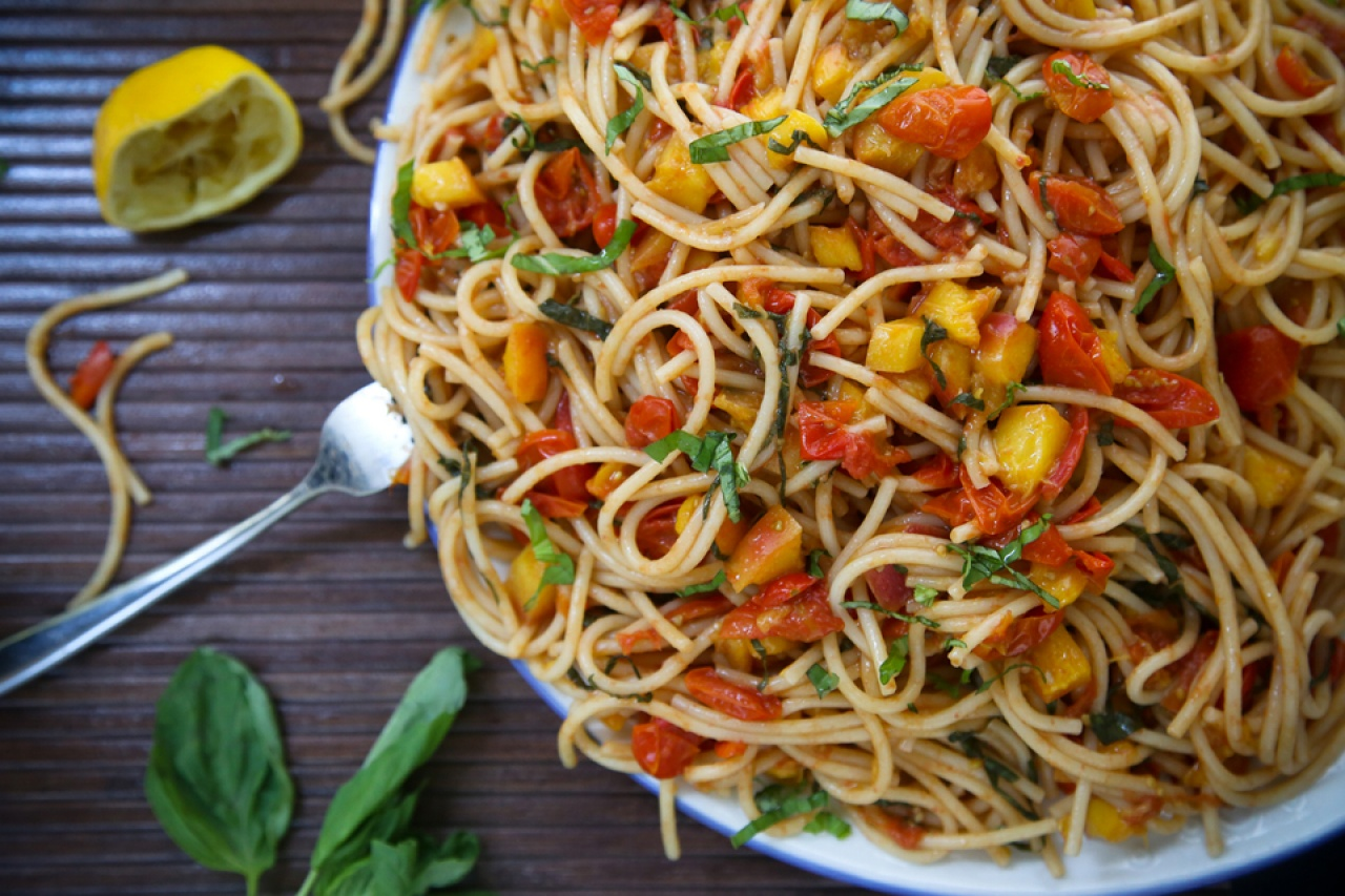Late Summer Tomato Nectarine Pasta - Thug Kitchen