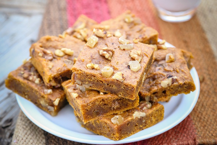Pumpkin Ginger Blondies - Thug Kitchen